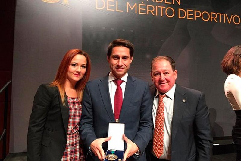molina-medalla-merito