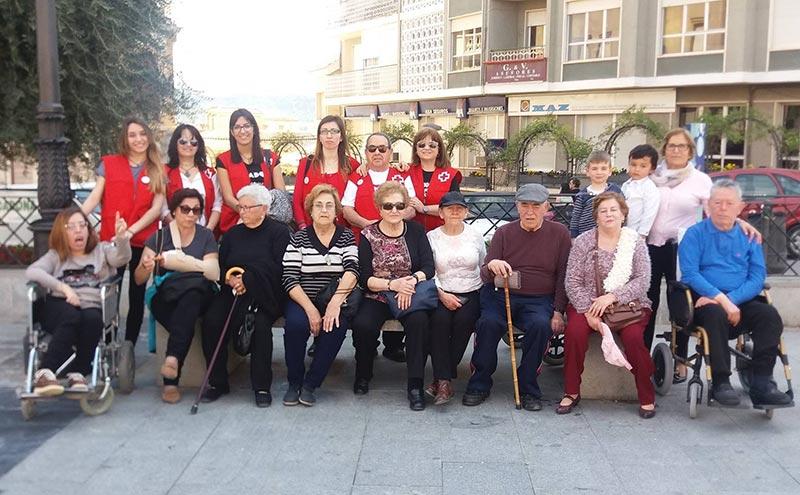 cruz-roja-apuesta-personas-mayores