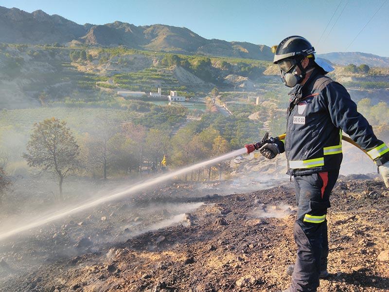 bomberos-cieza-sofocan-incendio-ulea