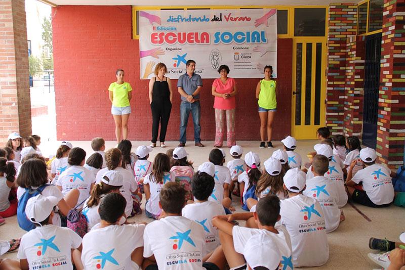 inaugurada-escuela-social-verano-veronica-caixa