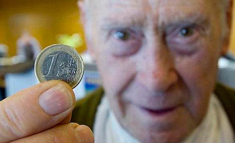 iu-cieza-mitad-pensionistas-pension-debajo-700-euros