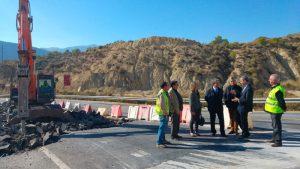 Fomento invierte 109.000 euros en la mejora de la carretera de acceso a Blanca desde la autovía A-30