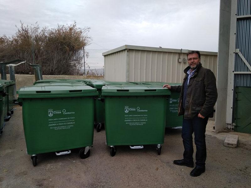 instalan-sustituyen-100-nuevos-contenedores-residuos-carga-trasera
