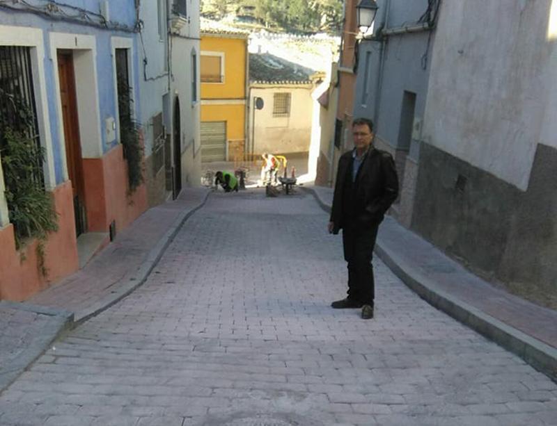 remodelan-pavimento-calle-calvario