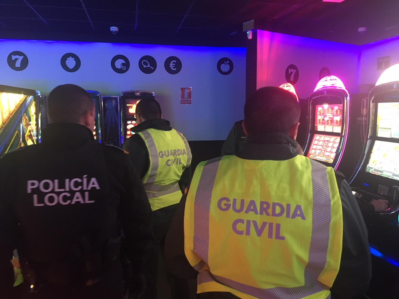policia-local-extrema-celo-locales-ocio-juego-cieza