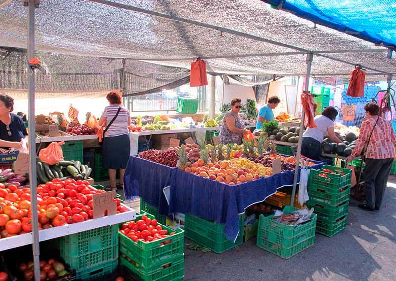 concejalia-comercio-recauda-100-000-euros-mercado-semanal-encontraban-impagados