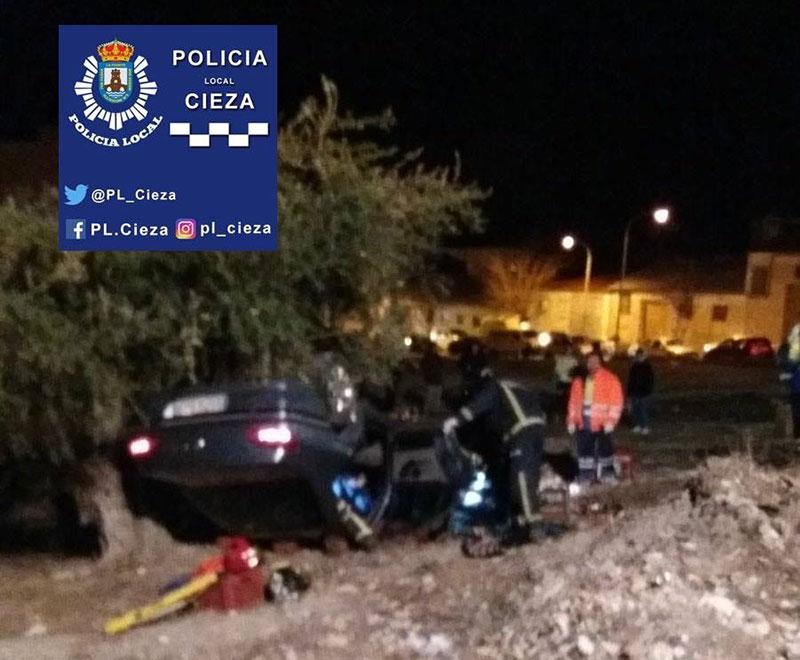 vehiculo-atropella-dos-peatones-sale-calzada-cieza