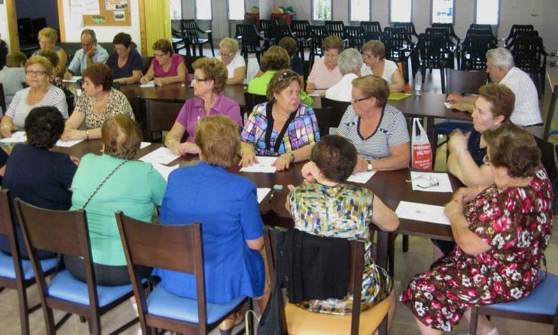 centro-municipal-personas-mayores-las-morericas-imparte-talleres-salud-jubilados