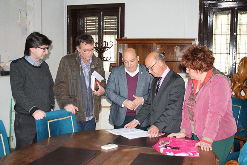 alcalde-recibe-consejero-hacienda-tratar-distintos-aspectos-proximo-plan-obras-y-servicios