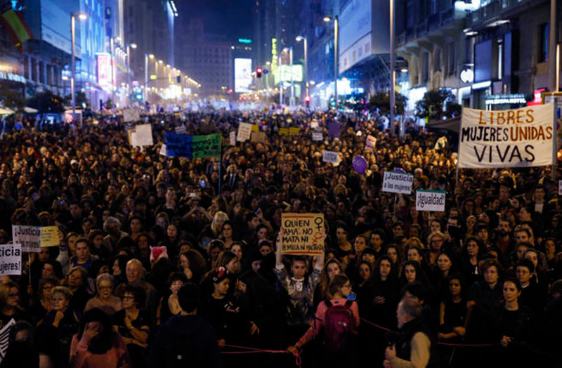 podemos-igualdad-invisibilidad-papel-mujer-urgente-huelga-feminista