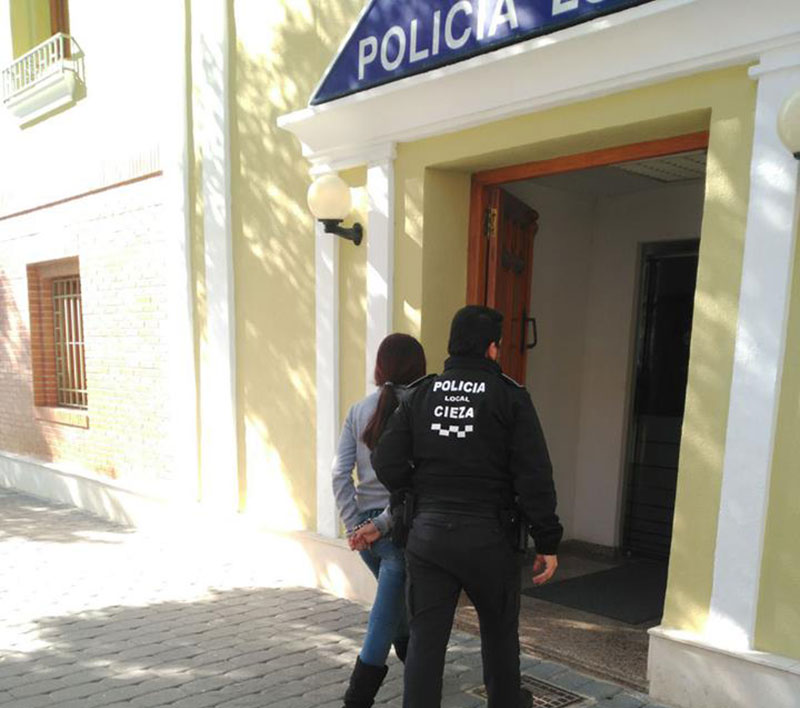 detenidas-dos-mujeres-robar-descuido-mercado-semanal-cieza