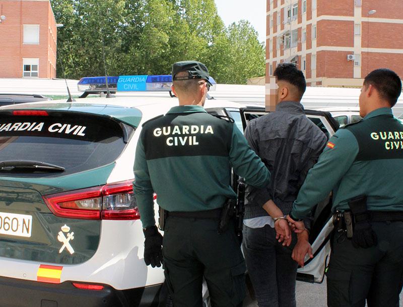 detenido-escurridizo-delincuente-indujo-menor-abandonar-domicilio