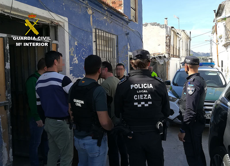 detenidos-cinco-ciezanos-robar-palomos-deportivos-revenderlos-duenos