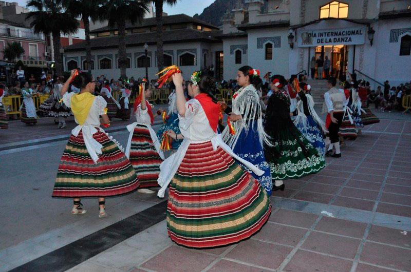 exhibicion-bailes-plaza-espana