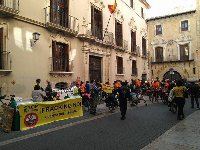 finaliza-marcha-cicloturista-contra-fracking-cuenca-segura