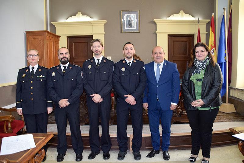 nuevos-cabos-policia-local-toman-posesion-cargo