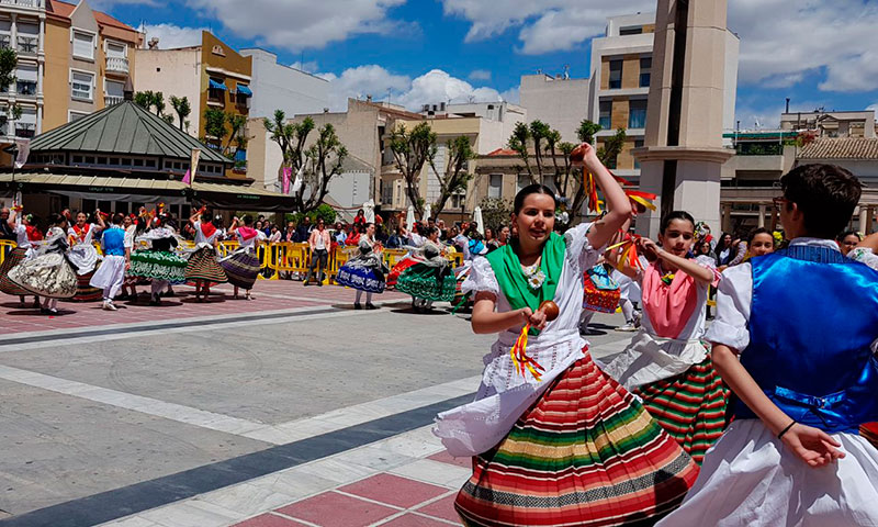600-bailarines-amenizaron-dia-internacional-danza-plaza-espana