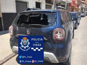 Aparatoso accidente entre un ciclista y un vehículo en la Avenida Ramón y Cajal de Cieza
