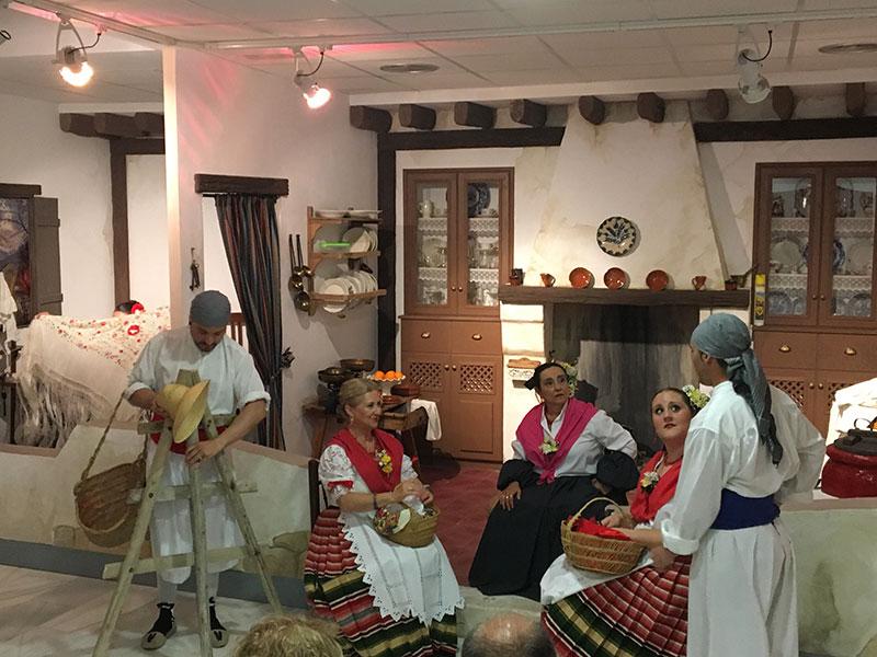 coros-danzas-cieza-pusieron-escena-espectaculo-noche-de-comadres-dia-internacional-museos