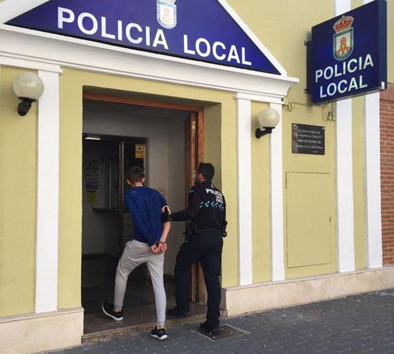 detenido-joven-ciezano-tras-lesionar-mujer-robarle-movil
