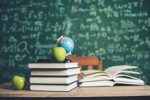 """El PIxC denuncia """"la falsedad de los libros de texto gratuitos"""""""
