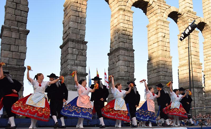 la-escuela-de-folklore-ultima-su-festival-de-final-de-curso