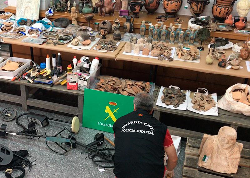 la-guardia-civil-desarticula-una-organizacion-criminal-dedicada-a-expoliar-yacimientos-arqueologicos