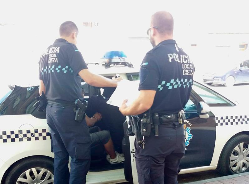 detenido-agresidir-mujer-policia-cieza