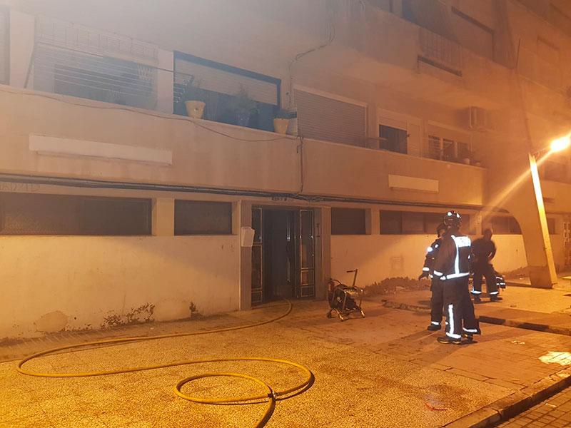 sofocado-un-incendio-provocado-en-un-edificio-de-cieza