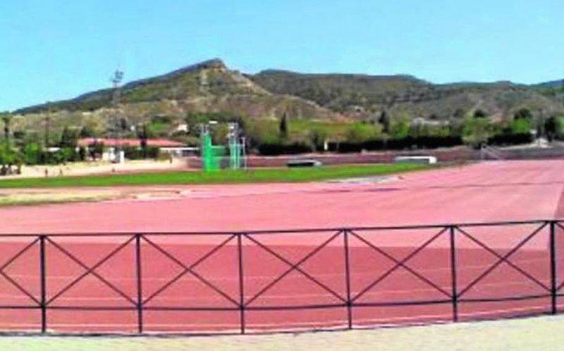 la-junta-de-gobierno-local-aprueba-361-764-euros-para-abordar-la-canalizacion-de-pluviales-de-la-pista-de-atletismo