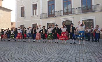 coros y danzas