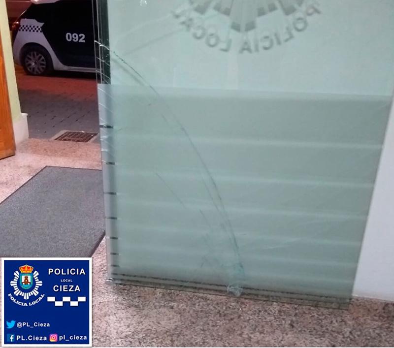 el-sujeto-que-agredio-a-la-policia-y-mas-novedades-en-la-edicion-impresa-de-cronicas-de-siyasa