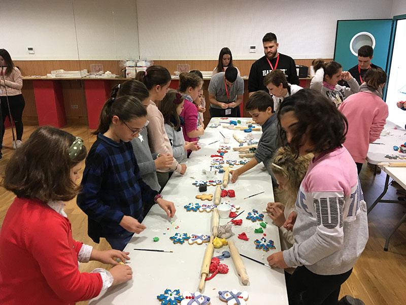 los-talleres-familiares-del-centro-de-folklore-dan-vida-a-la-navidad