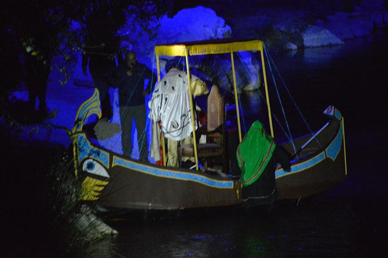 el-rey-baltasar-llego-a-cieza-navegando-por-el-rio-segura