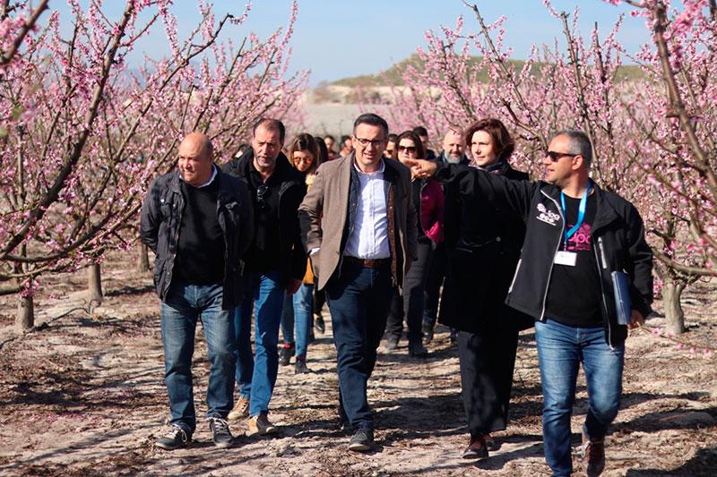 isabel-oliver-secretaria-de-estado-de-turismo-visito-cieza-para-dar-un-espaldarazo-a-floracion