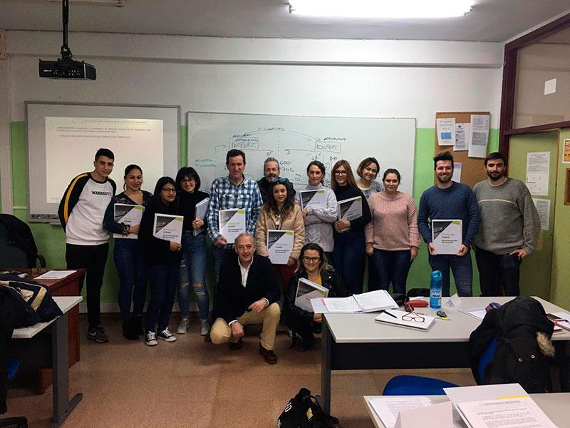 los-alumnos-de-comercio-internacional-del-ies-los-albares-participan-en-el-programa-comex