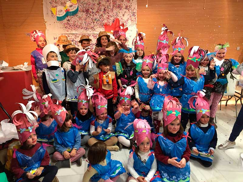 taller-de-carnaval-en-el-centro-municipal-de-folklore
