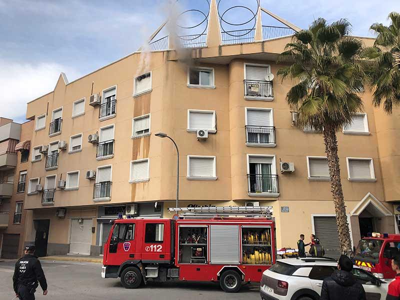 un-incendio-en-una-vivienda-en-el-camino-de-madrid-provoca-6-heridos-leves