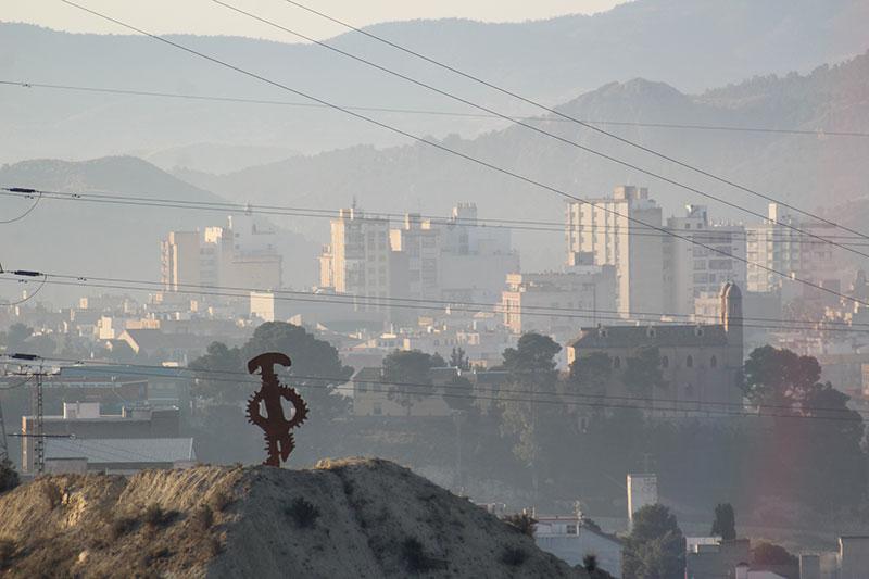 ecologistas-en-accion-las-quemas-antiheladas-vuelven-a-provocar-contaminacion-en-cieza