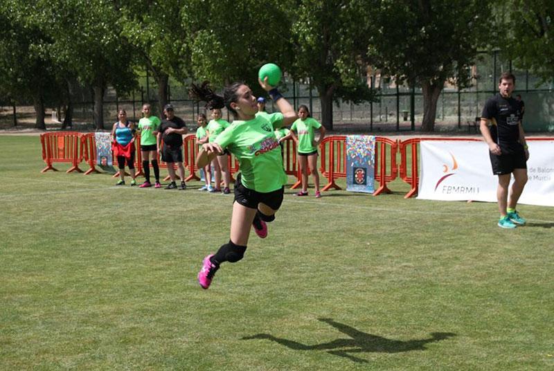 la-ciezana-claudia-moreno-ha-sido-seleccionada-por-la-federacion-espanola-de-balonmano