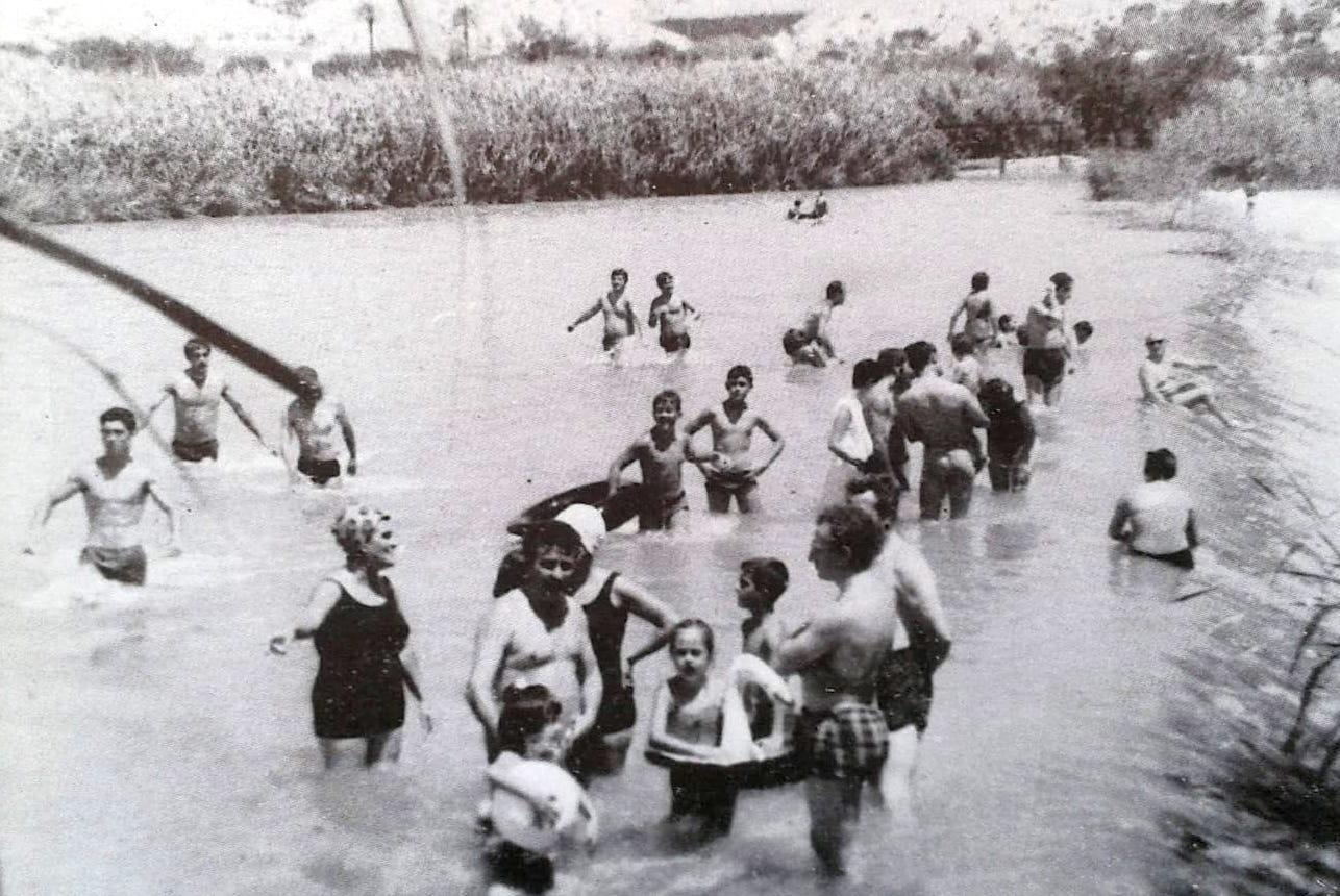 la-vida-tradicional-en-cieza-aquellos-banos-en-el-rio