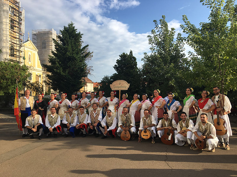 coros-y-danzas-parte-hacia-madrid-en-representando-a-la-region-de-murcia