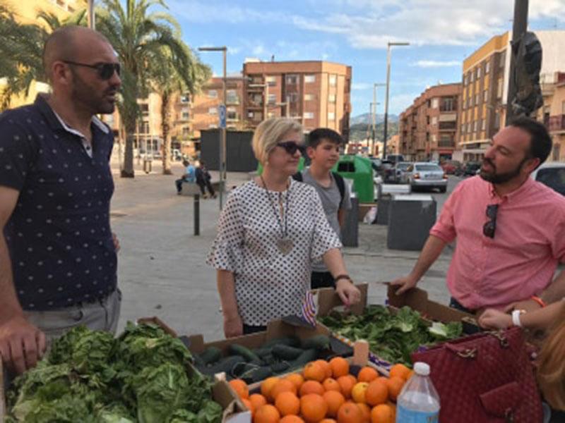 la-plataforma-huertos-urbanos-reparte-verduras-y-hortalizas-gratis-entre-los-vecinos-para-agradecer-su-apoyo