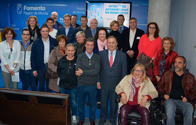 cieza-quiere-mejorar-la-accesibilidad-urbana-para-facilitar-el-movimiento-a-las-personas-con-discapacidad