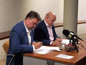 firma-pacto-gobierno-cieza-2019