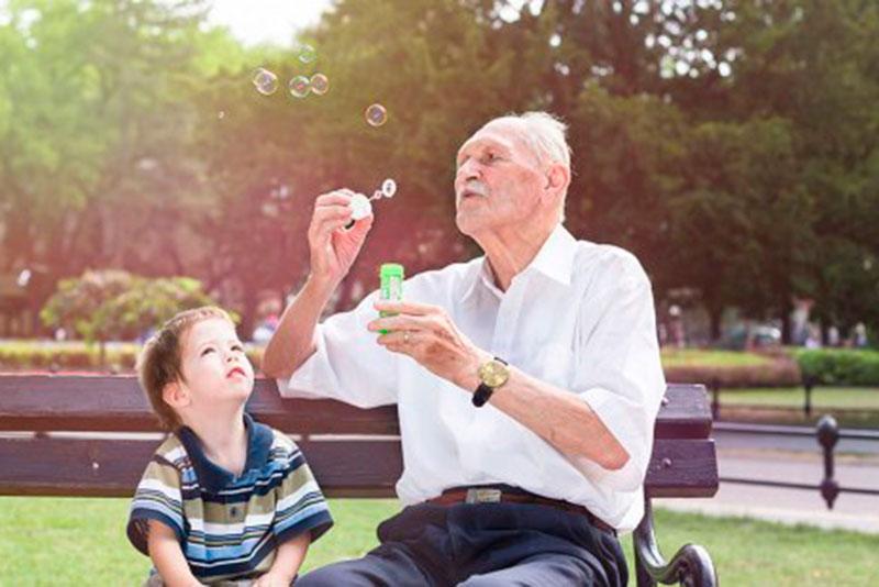 cieza-celebrara-el-dia-de-los-abuelos-con-un-refrescante-bano-en-el-polideportivo-municipal