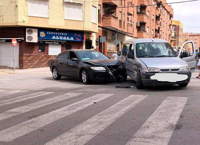 colision-vehiculos-calle-ricote-calle-paz-cieza