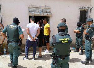 La Guardia Civil detiene a dos hermanos por el supuesto secuestro y la agresión a un vecino de Blanca
