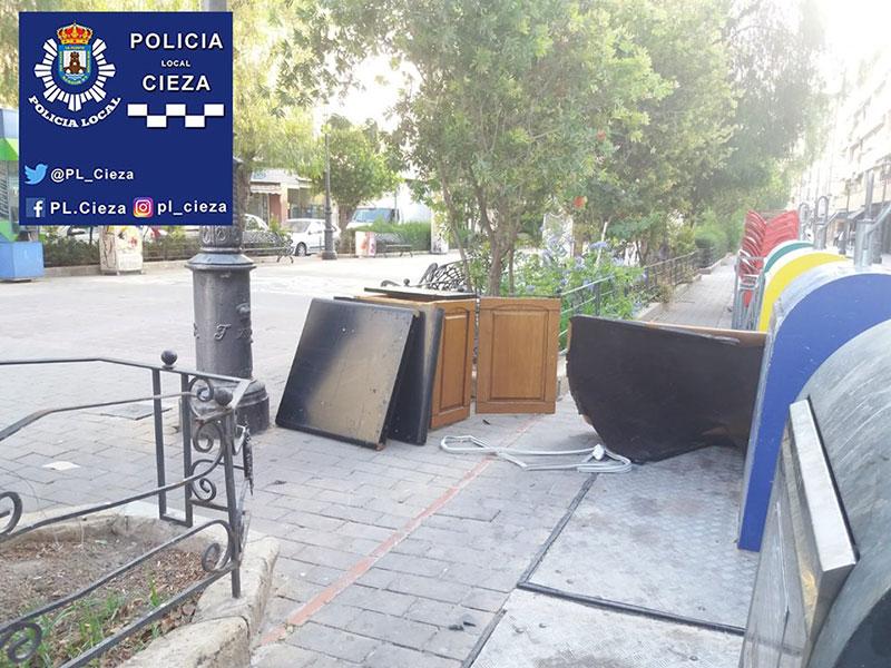 la-policia-local-ya-ha-comenzado-a-multar-a-quienes-no-utilizan-correctamente-los-contenedores