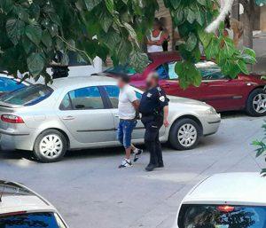 Detenido un 'tironero' en Cieza que se llevó 1.100 euros